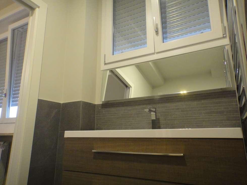 bagno : Bagno in stile in stile Mediterraneo di studionove architettura