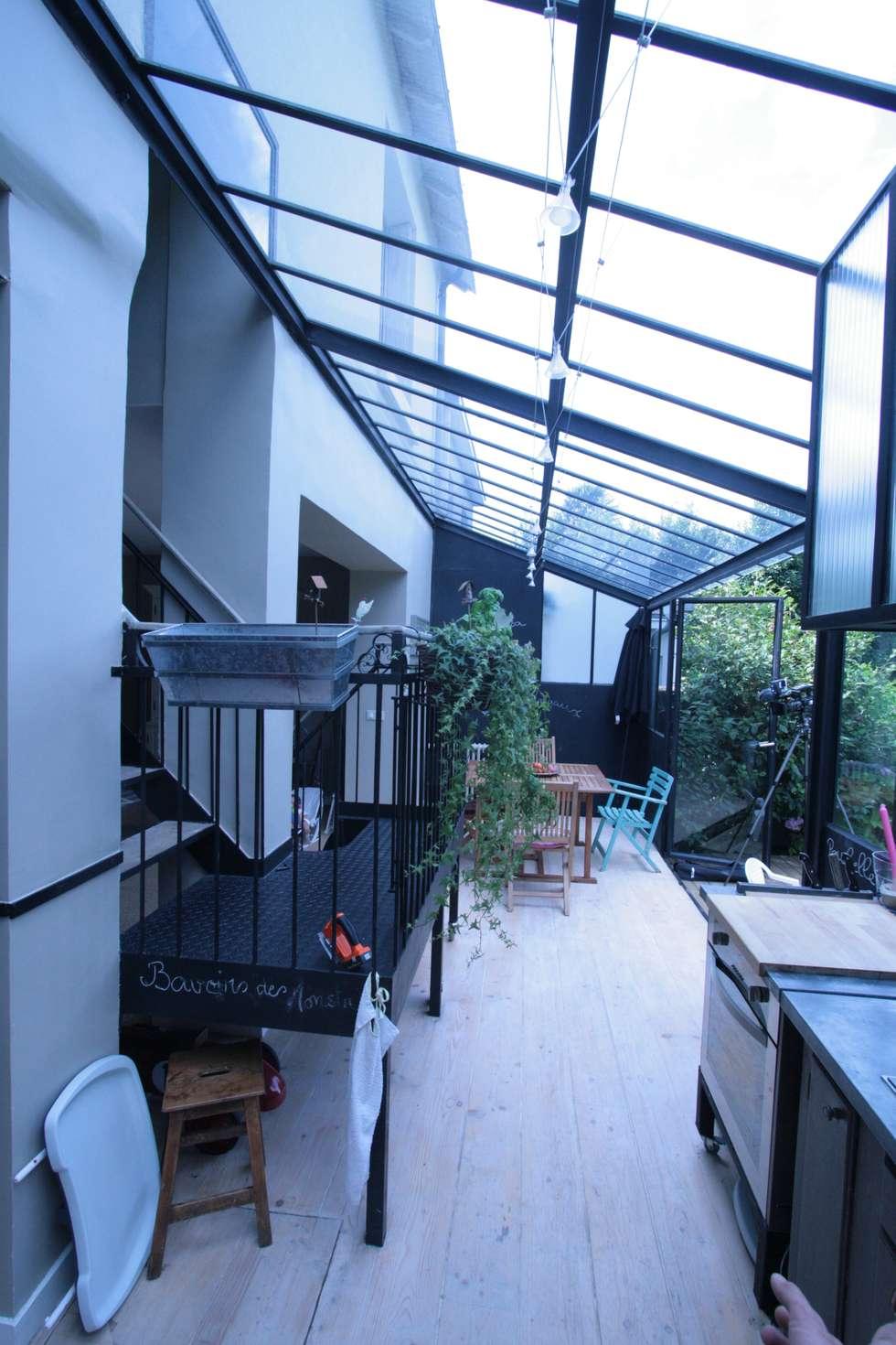 Escaliers: Couloir et hall d'entrée de style  par Tabary Le Lay