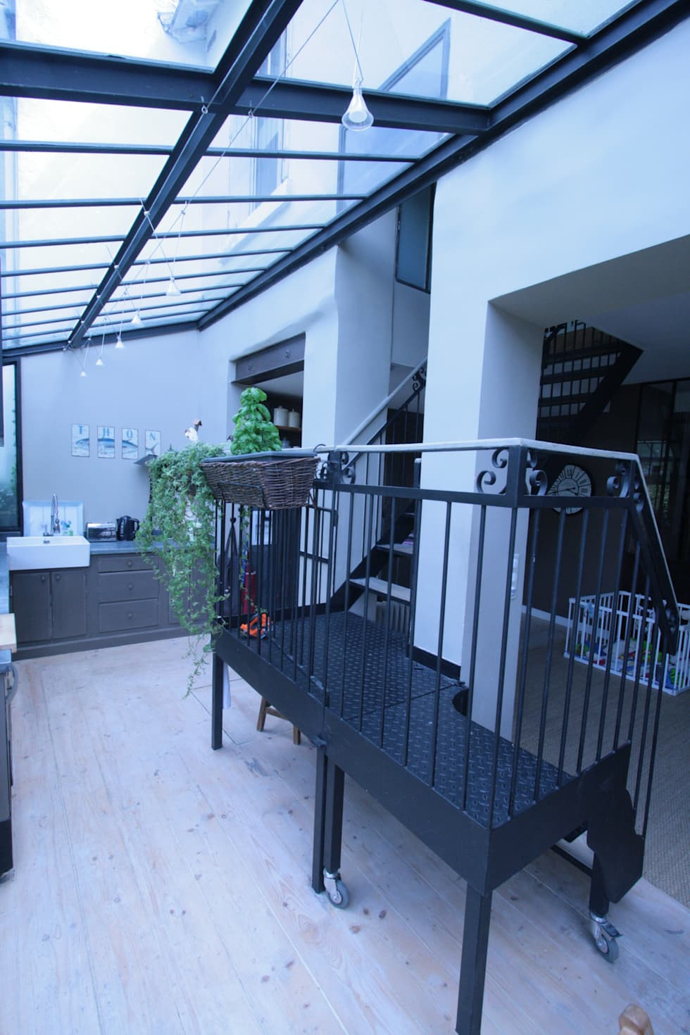 Escalier roulant: Couloir et hall d'entrée de style  par Tabary Le Lay