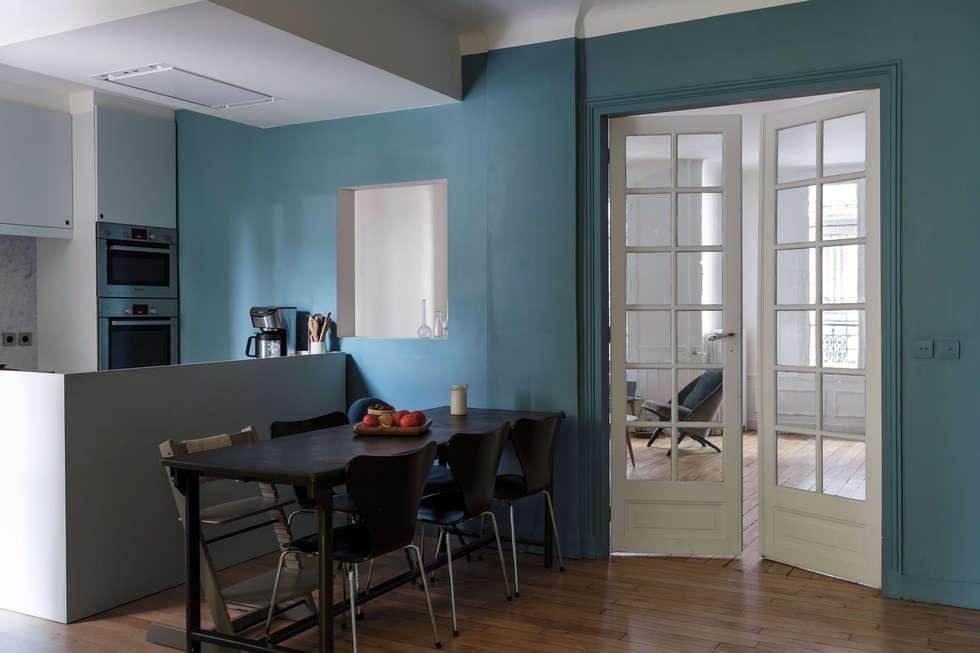 Plan et arrière plans: Salle à manger de style de style Minimaliste par claire Tassinari