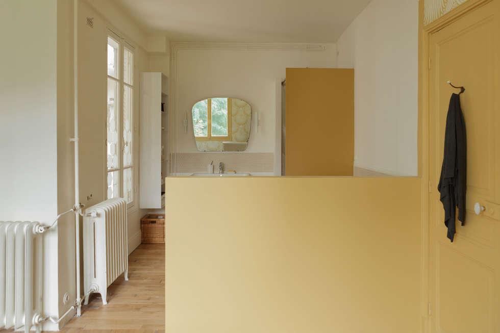 Camaieux: Salle de bains de style  par claire Tassinari