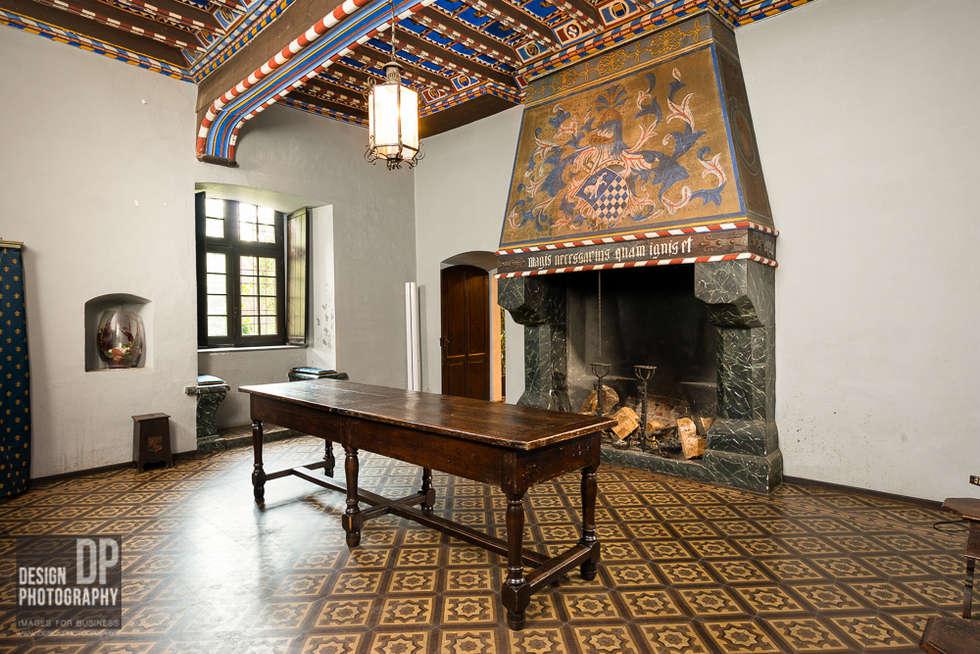 Castello: soggiorno in stile in stile country di design photography ...