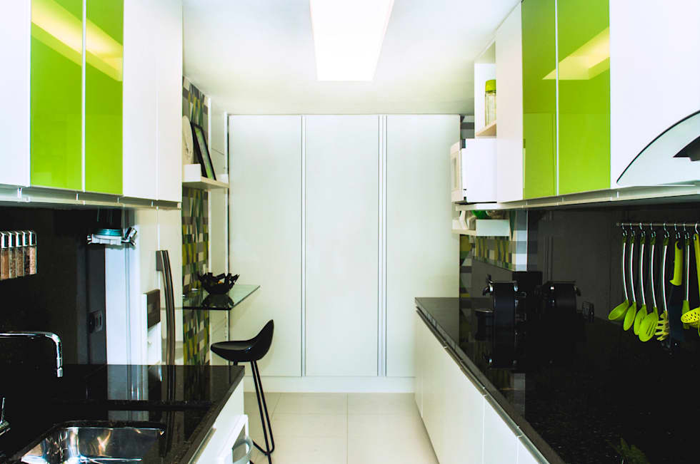 Cozinhas modernas por AVNER POSNER INTERIORES