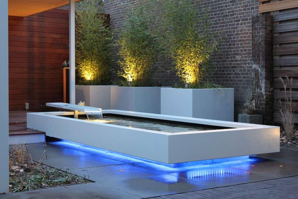 Zwevende vijver met led verlichting moderne tuin door
