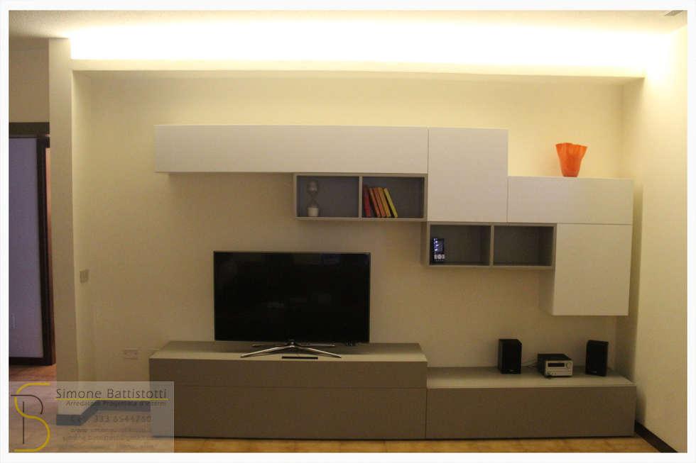 Soggiorno montato: Soggiorno in stile in stile Moderno di Simone Battistotti - SB design