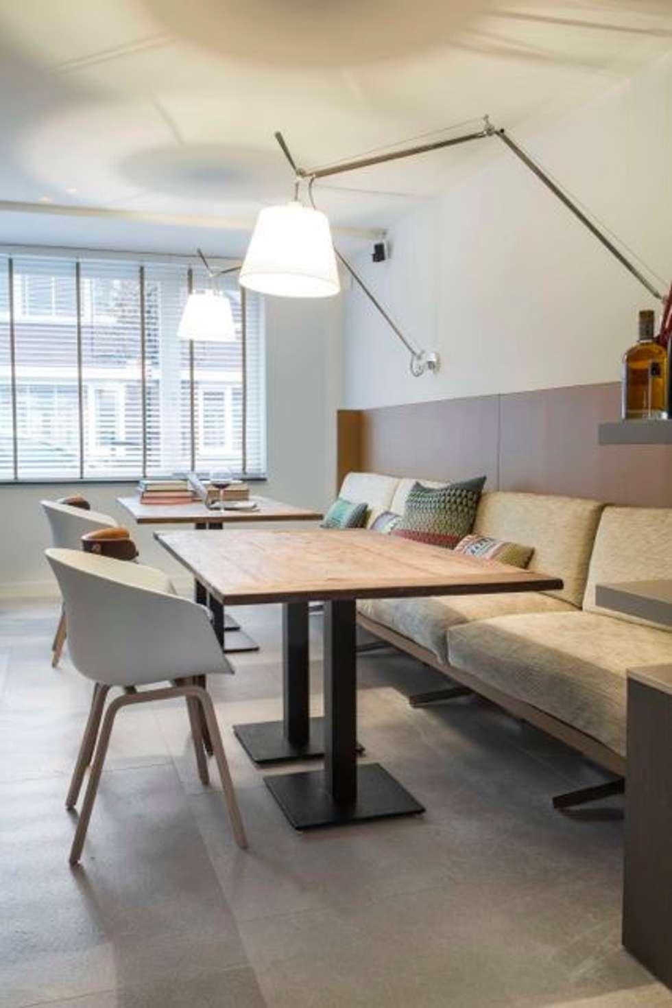Open eetruimte: moderne Eetkamer door Smeele | ontwerpt & realiseert