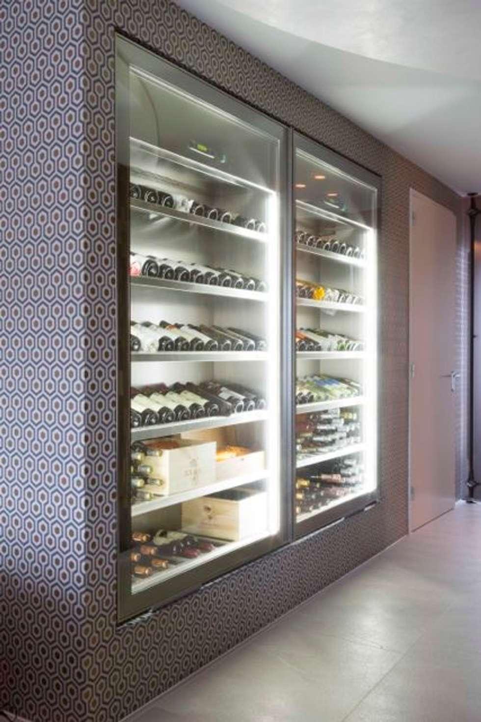Wijnkasten: moderne Wijnkelder door Smeele   ontwerpt & realiseert
