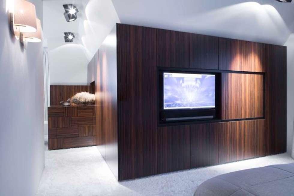 Slaapruimte: moderne Slaapkamer door Smeele | ontwerpt & realiseert