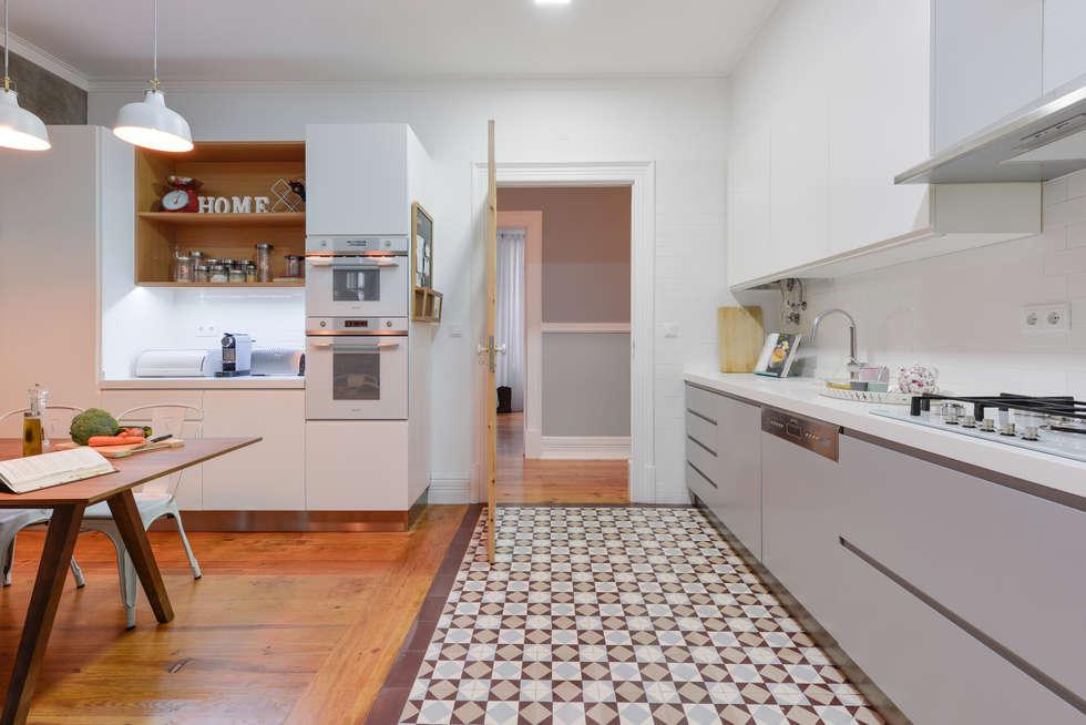 Cozinha: Cozinhas industriais por LAVRADIO DESIGN