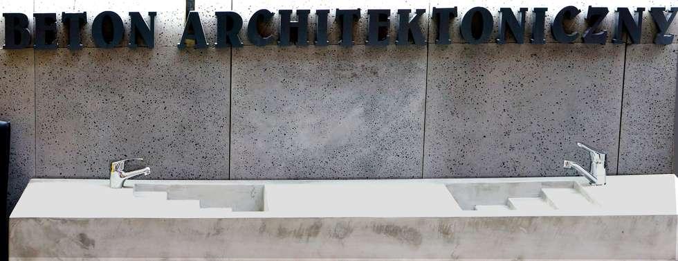 Beton architektoniczny: styl , w kategorii Łazienka zaprojektowany przez Bettoni