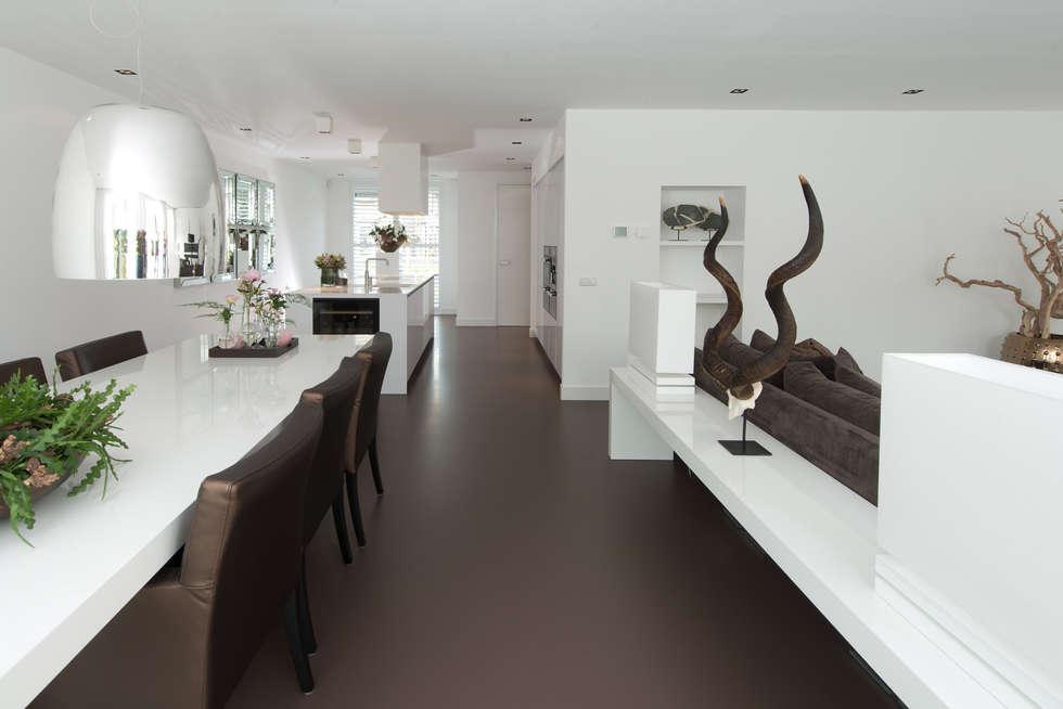 Strakke Witte Keuken : Moderne strakke greeploze witte tieleman keuken moderne keuken