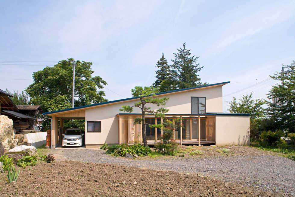 あおいやね: 尾日向辰文建築設計事務所が手掛けた家です。