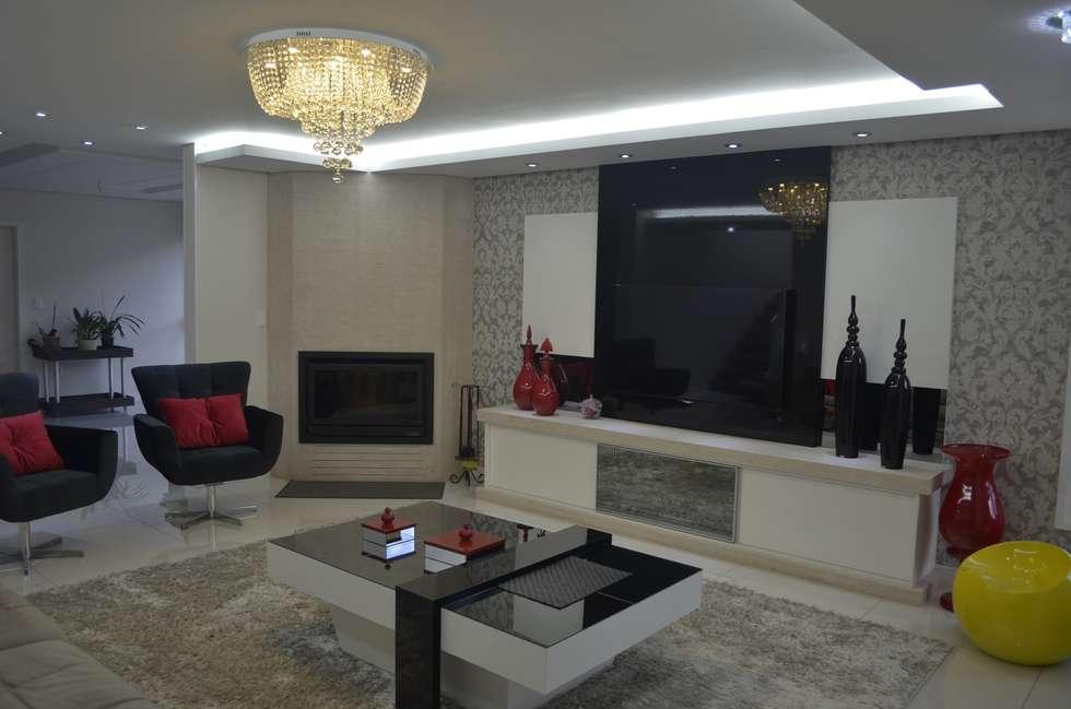 Sala de estar grande com lareira id ias for Sala de estar moderna grande