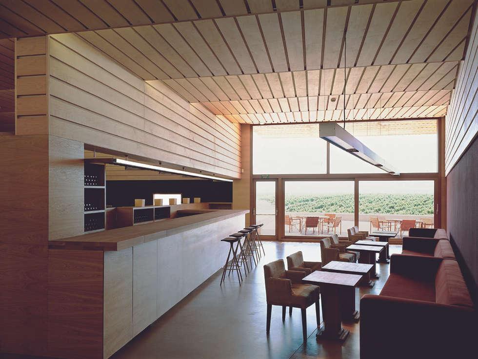 minimalistic Living room by Ignacio Quemada Arquitectos