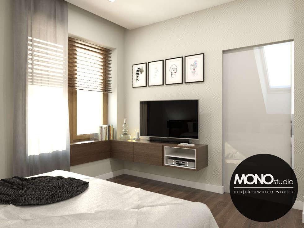 Elegancka,stylizowana sypialnia dla oryginalnego przedsiębiorcy.: styl , w kategorii Sypialnia zaprojektowany przez MONOstudio