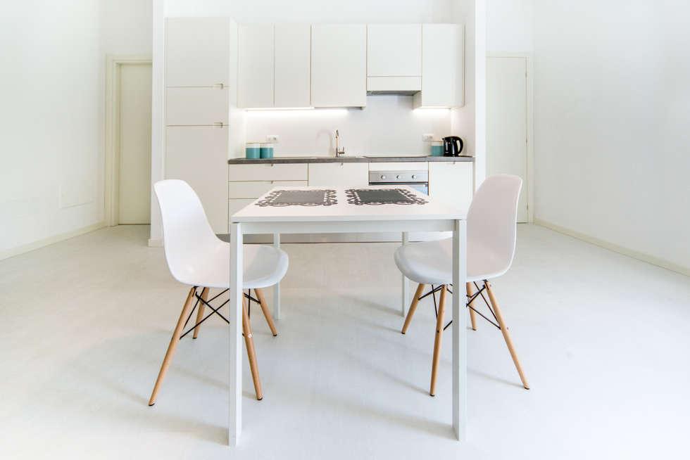 DETTAGLIO CUCINA: Cucina in stile in stile Minimalista di PADIGLIONE B