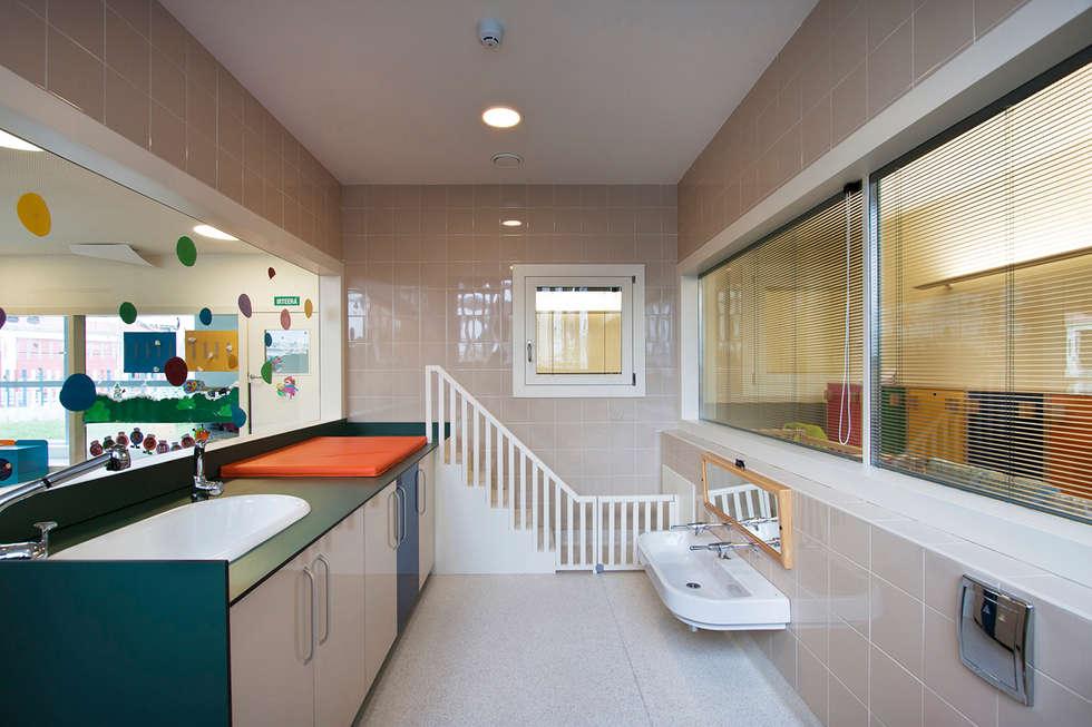 Salle de bains de style  par Ignacio Quemada Arquitectos