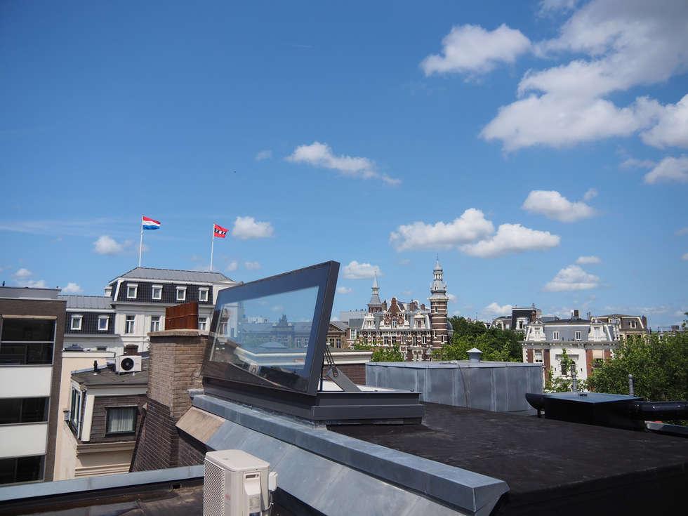 Stijlvolle toegang tot het dakterras:  Terras door Glazing Vision