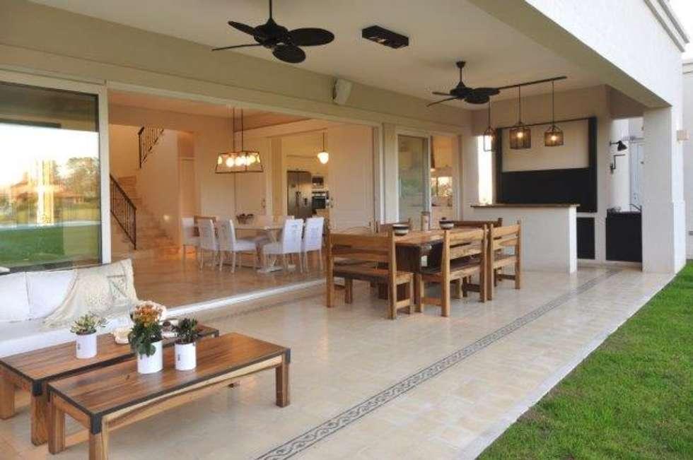 Fotos de decora o design de interiores e remodela es for Galerias jardines pequenos