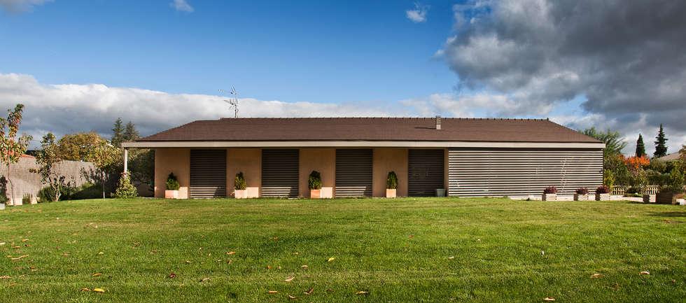 minimalistic Houses by Ignacio Quemada Arquitectos