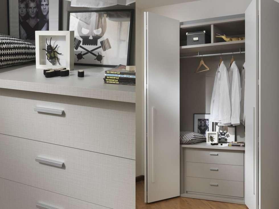 Wohnideen interior design einrichtungsideen bilder for Minimalistischer kleiderschrank