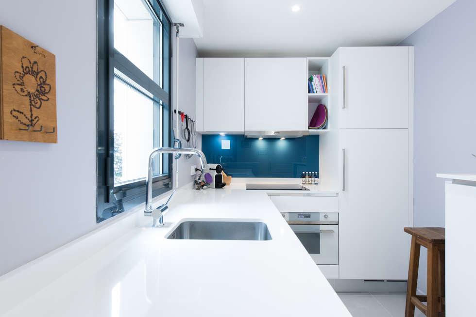 Genial Cozinha Por LA CUISINE DANS LE BAIN SK CONCEPT Galerie De Photos