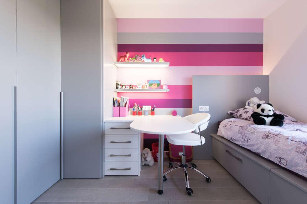 MUR DECO: Chambre d'enfant de style de style eclectique par LA CUISINE DANS LE BAIN SK CONCEPT