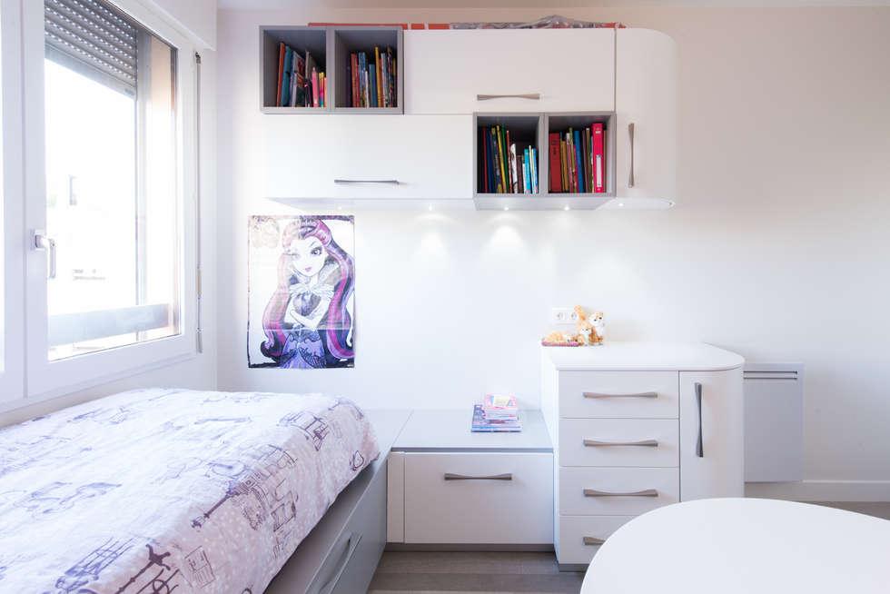 CHAMBRE FILLE: Chambre d'enfant de style de style Moderne par LA CUISINE DANS LE BAIN SK CONCEPT