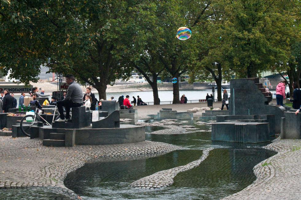 루드비히미술관-쾰른강 : SHIN의  정원