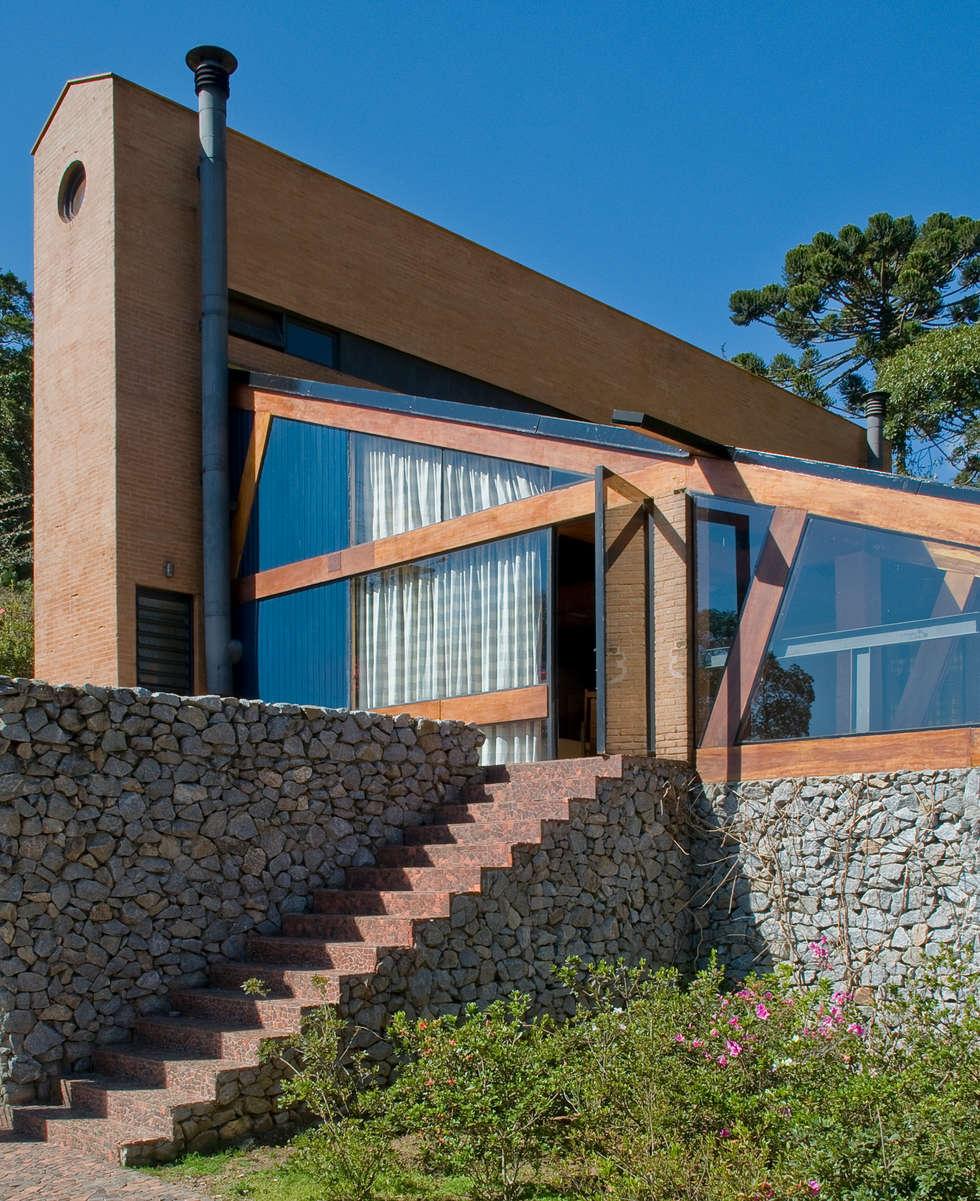 Casa pr 233 moldada de madeira casa pr 233 moldada - Vista Do Deck Para A Casa Casas Modernas Por Carlos Bratke Arquiteto