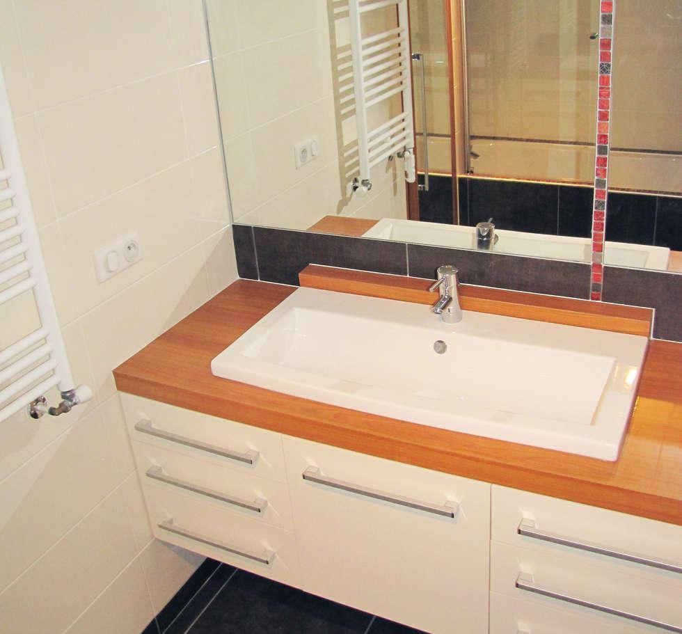 Plan vasque: Salle de bains de style  par Kauri Architecture
