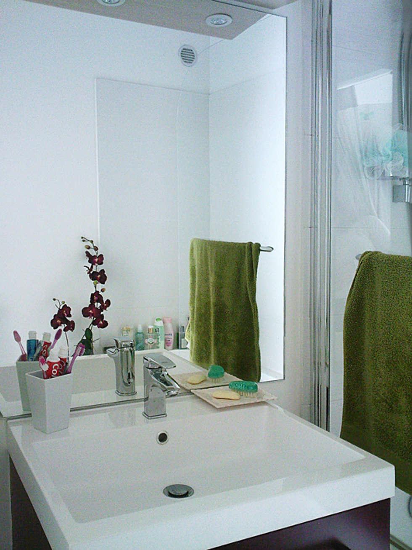 Salle de Bain : Salle de bains de style  par Bulles Concept - Visualisation & Personnalisation de votre intérieur