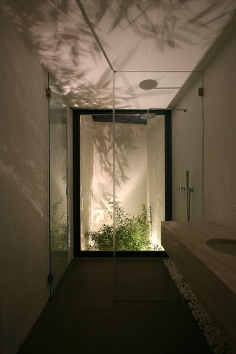 Casa de Banho 1 : Casas de banho modernas por Visual Stimuli