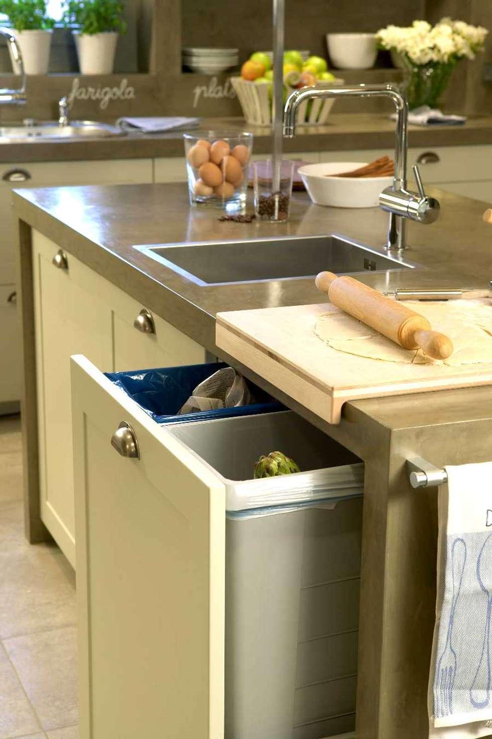 Fotos de decoraci n y dise o de interiores homify for Cubos de basura cocina