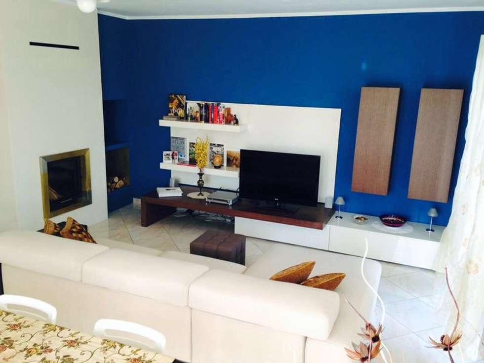 Arredamento soggiorno : Soggiorno in stile in stile Moderno di Emanuela galfetti architetto