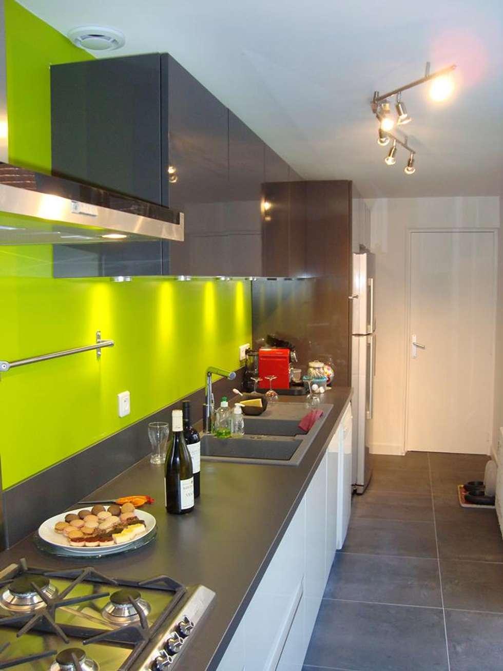 Cocinas de estilo moderno por SAS ACCTIF DESIGN