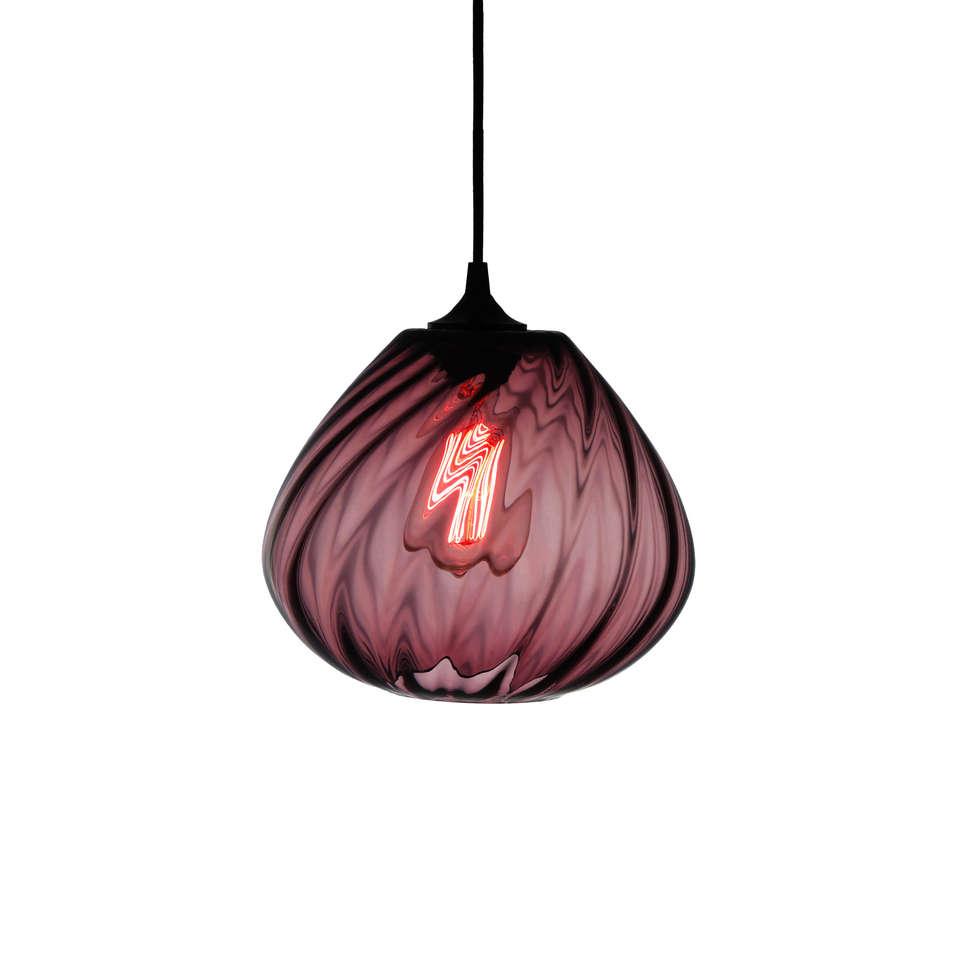 Twisters Purpura - fondo blanco: Pasillos y recibidores de estilo  por Luminosa ™