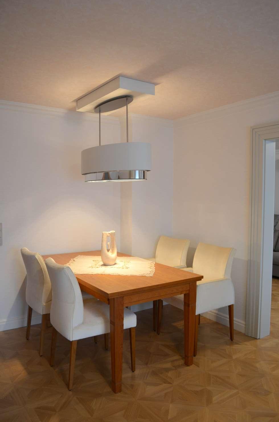 Uberlegen Esszimmer Mir Ausziehbarem Tisch Und Verschiebbarer Lampe: Moderne Esszimmer  Von WOHNIDEEN Lebedies