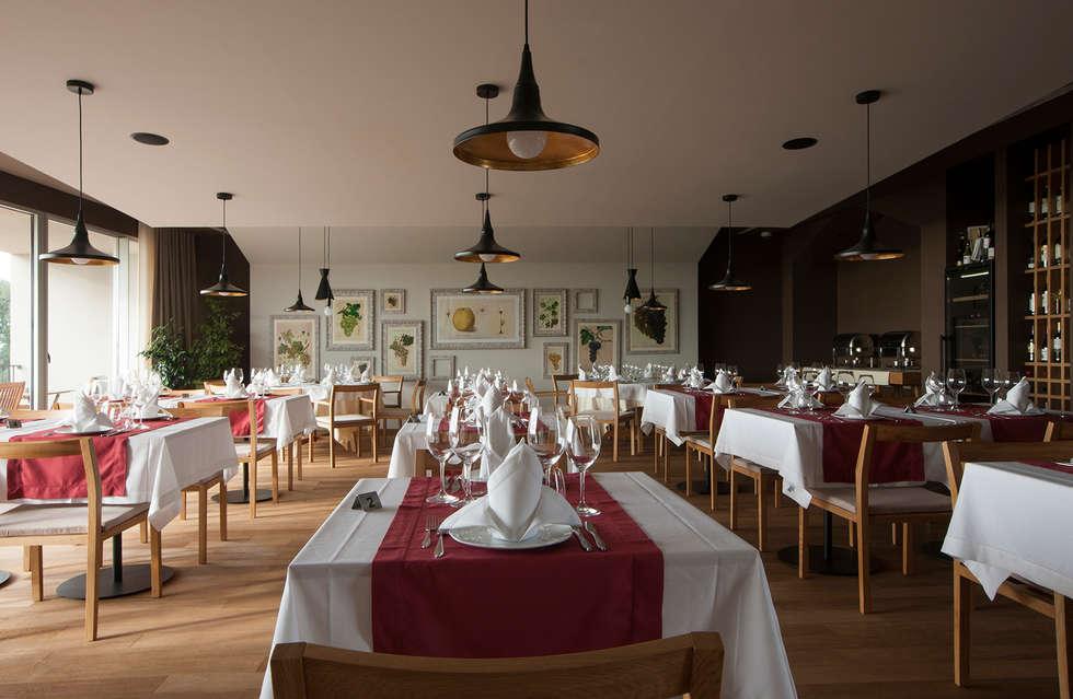 Restaurante do Hotel: Espaços de restauração  por Tralhão Design Center