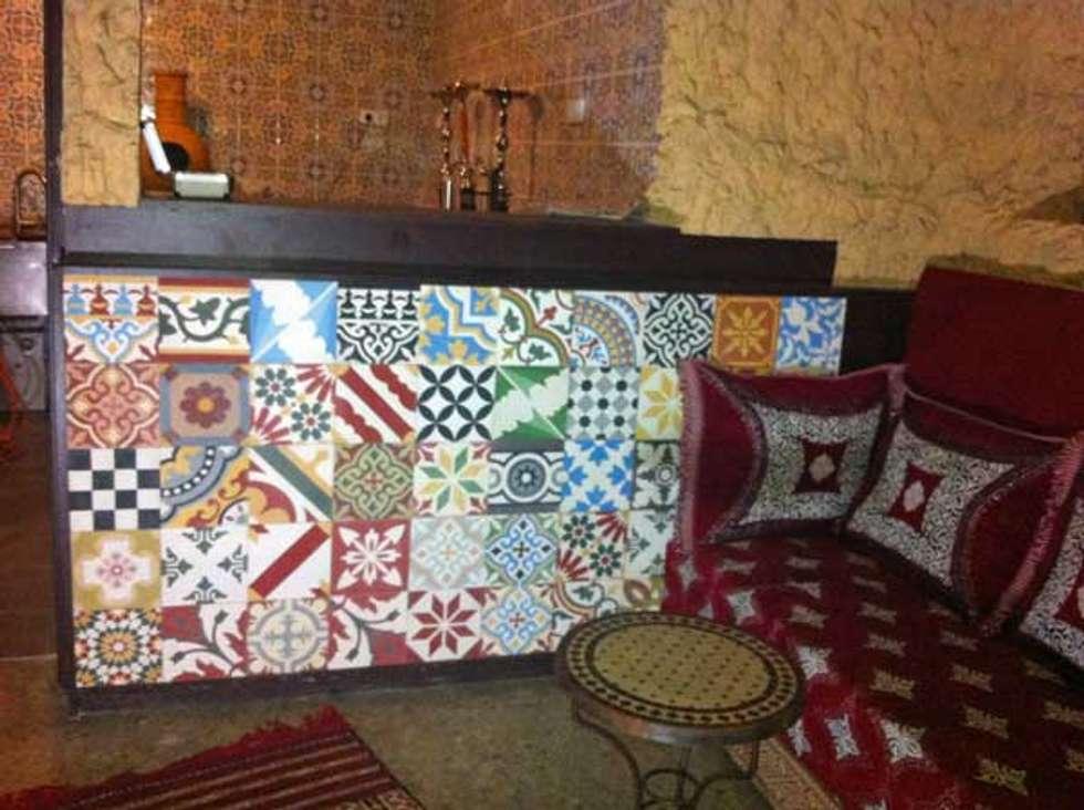 Marokkaanse Cementtegels Patchwork meerkleurig: mediterrane Eetkamer door Articima