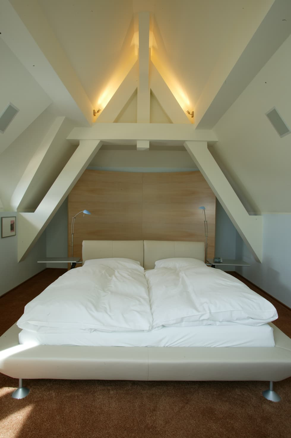 Maisonette: Chambre de style de style Moderne par FiAri