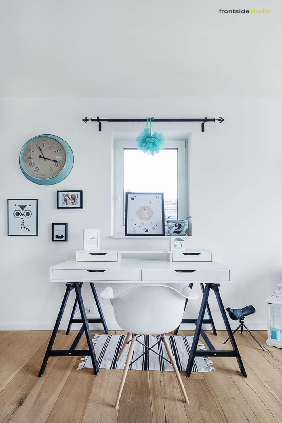 Dom jednorodzinny w Redzie : styl , w kategorii Domowe biuro i gabinet zaprojektowany przez PracowniaPolka