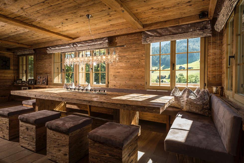 Essbereich Mit Tisch Und Hocker In Altholz: Rustikale Esszimmer Von  RH Design
