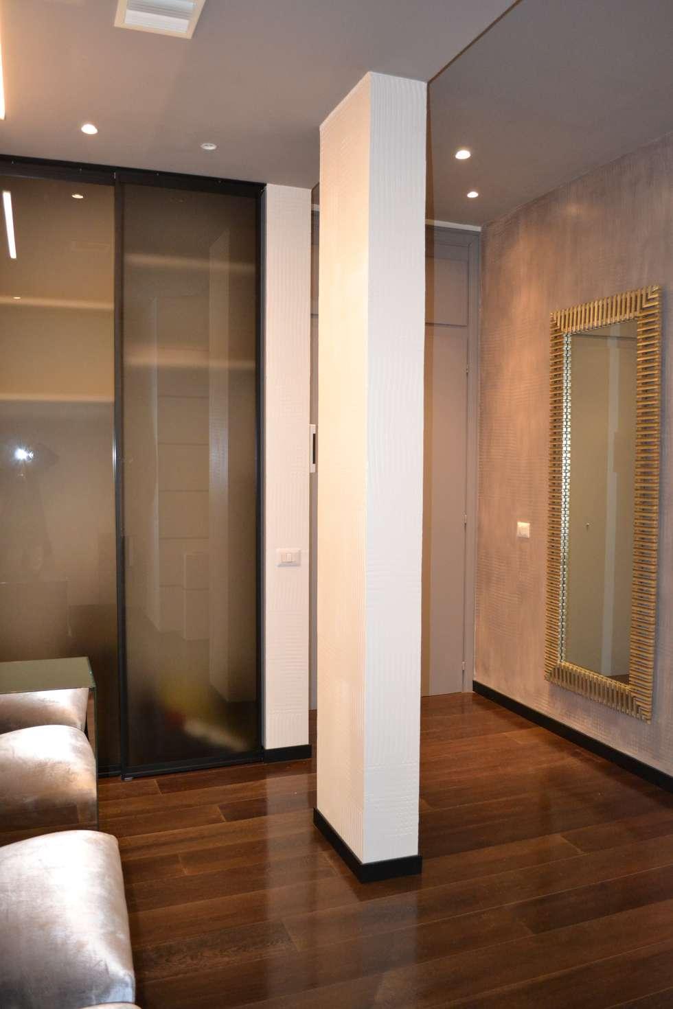 ingresso: Studio in stile in stile Moderno di bilune studio