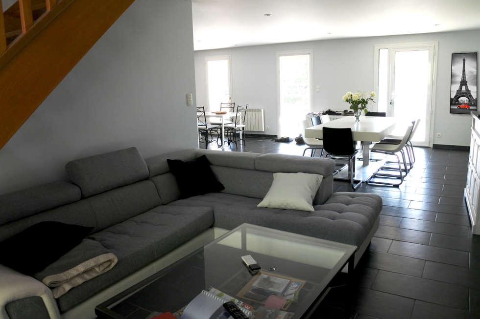 SALON: Salon de style de style Moderne par X-ACT DESIGN