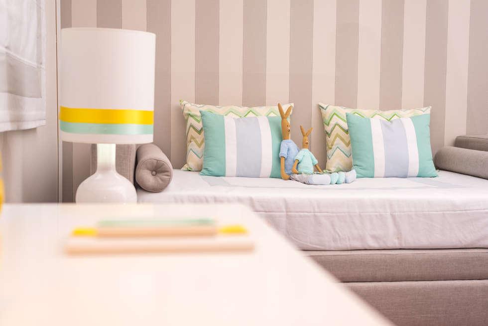 Quarto do Gui: Quartos de criança escandinavos por Ângela Pinheiro Home Design
