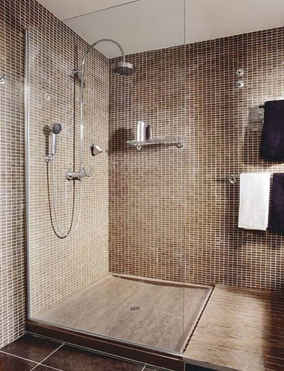 Baos con baera y plato de ducha diferentes ejemplos de for Azulejos alcobendas