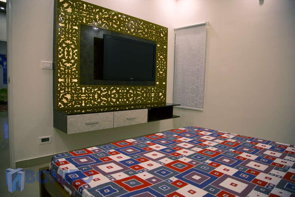 Bedroom CNC Pattern TV Unit Design: Asian Bathroom By Bonito Designs  Bangalore