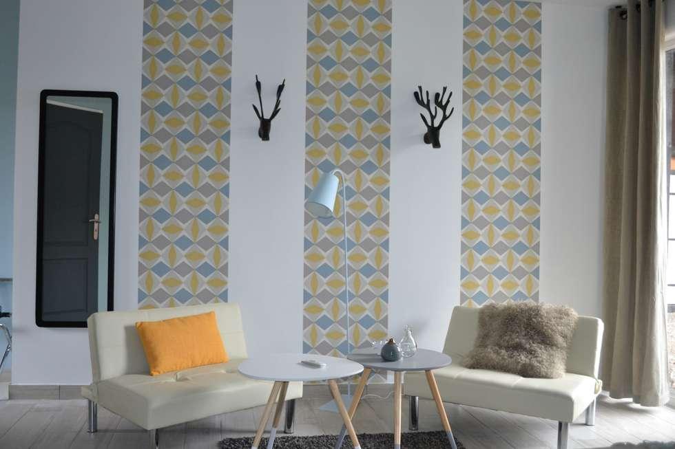 Chambre Néo-scandinave: Chambre de style de style eclectique par KREA Koncept