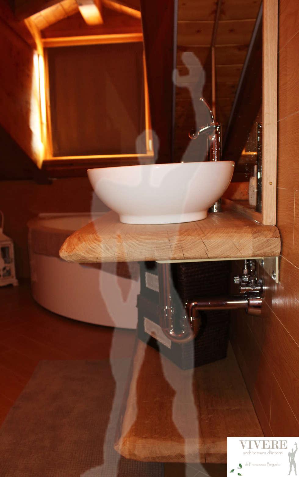Mobile bagno: Bagno in stile in stile Rustico di Arredamenti Brigadoi
